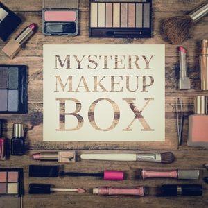 Mystery Beauty Makeup Box 1 Highend  3 Drugstore